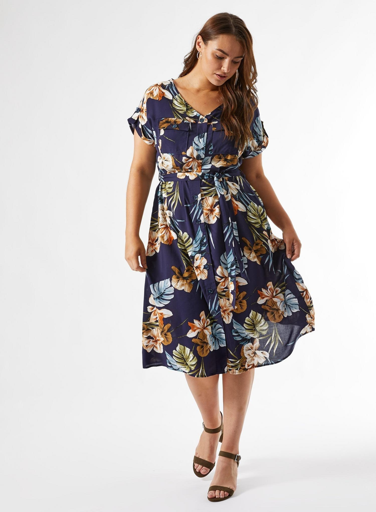 148 Curve Navy Floral Print Dress image number 3