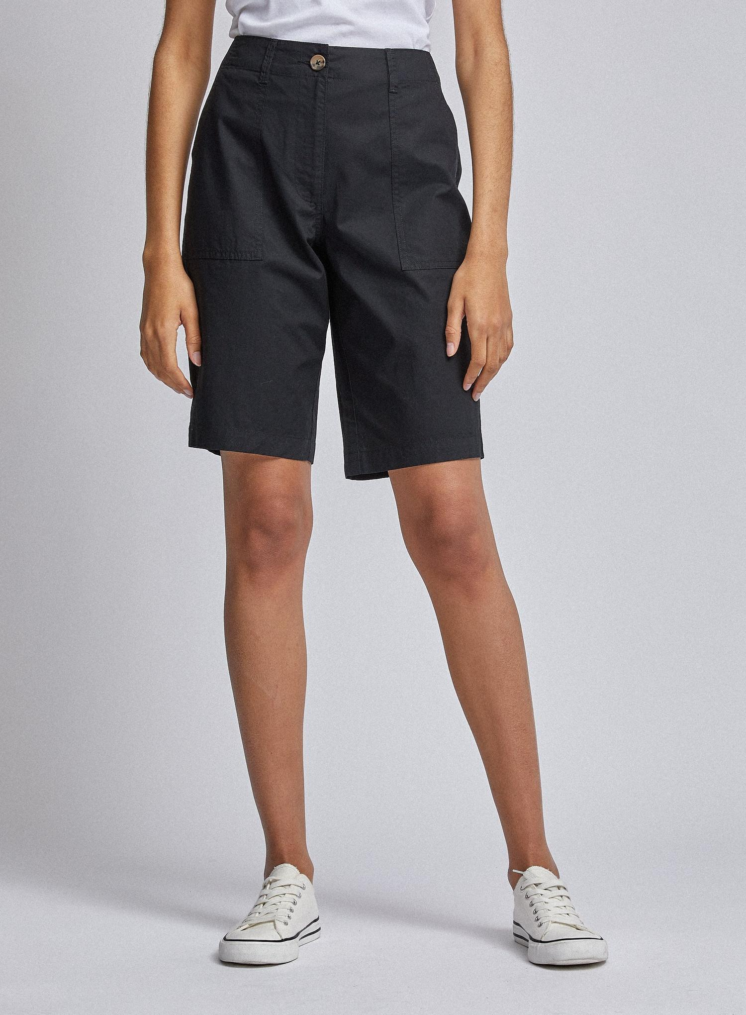 105 Black Poplin Knee Shorts image number 4