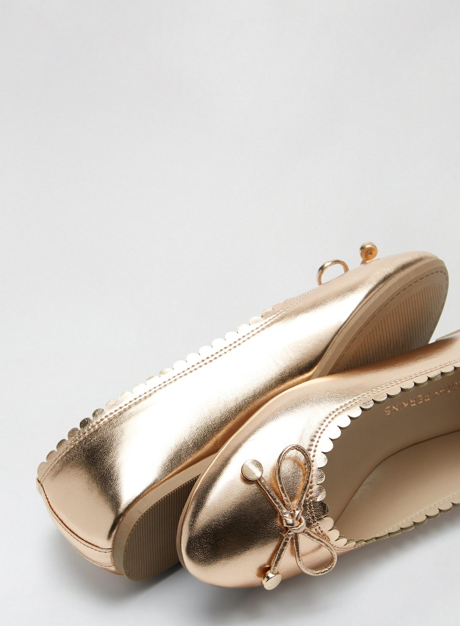 579 Rose Gold Peace Pump image number 4