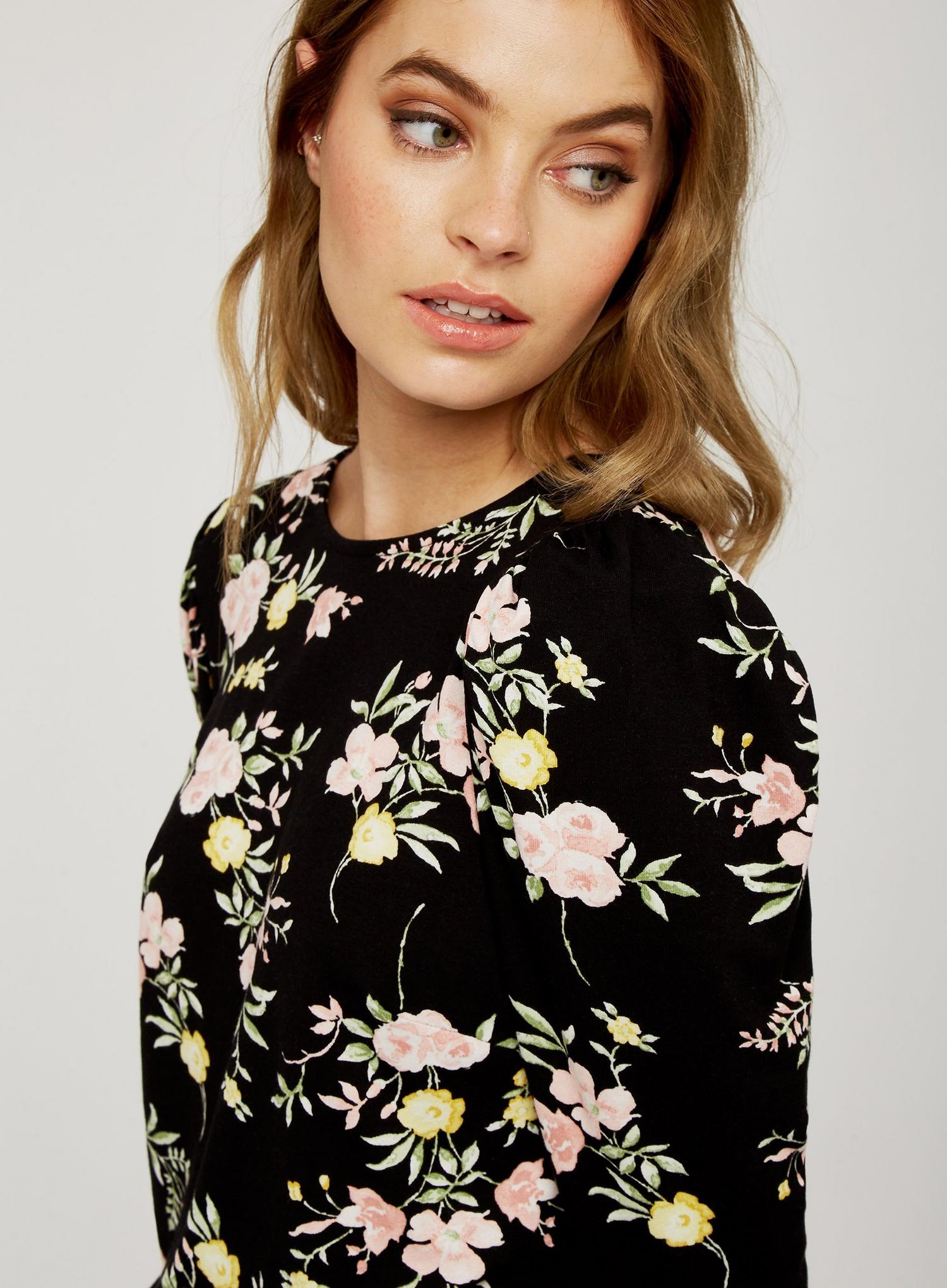 105 Petite Black Floral Print Top image number 3