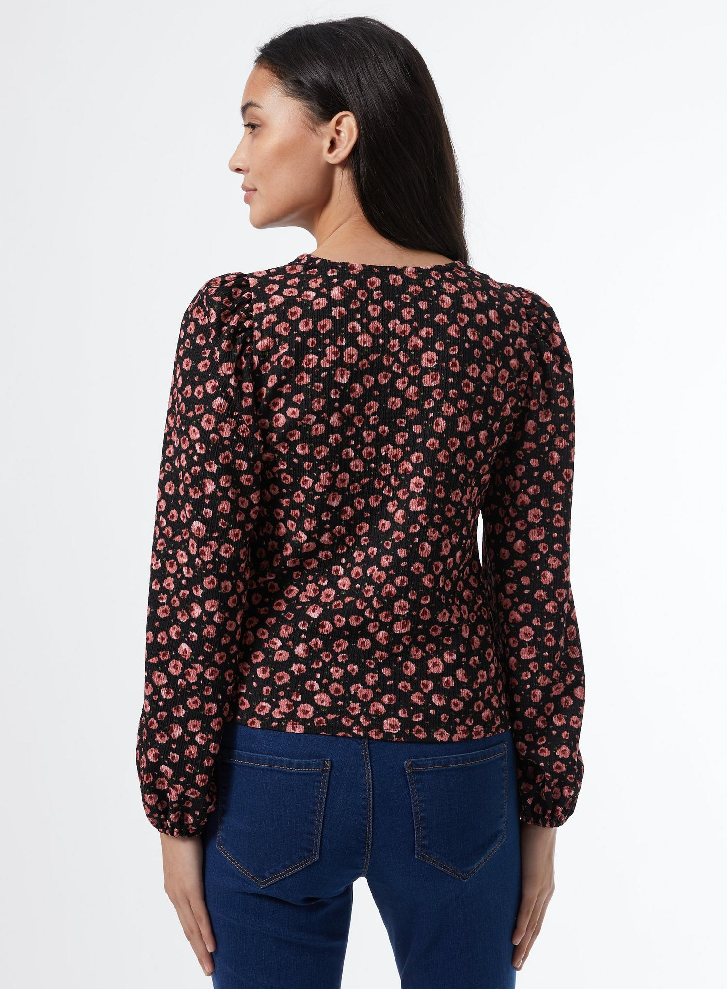 105 Petite Black Floral Print Ruched Top image number 3