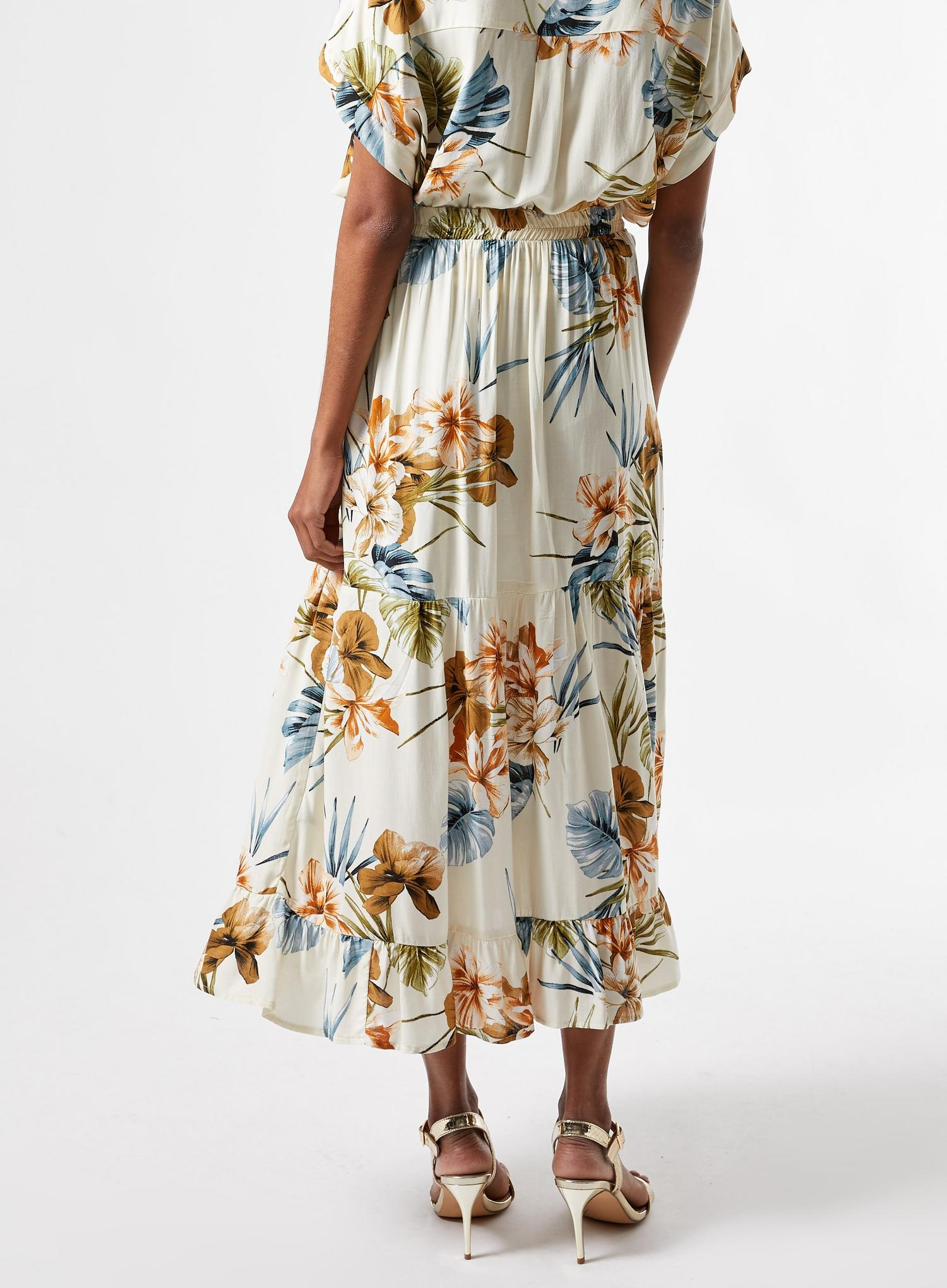 123 Petite Tropical Print Tiered Maxi Skirt image number 4