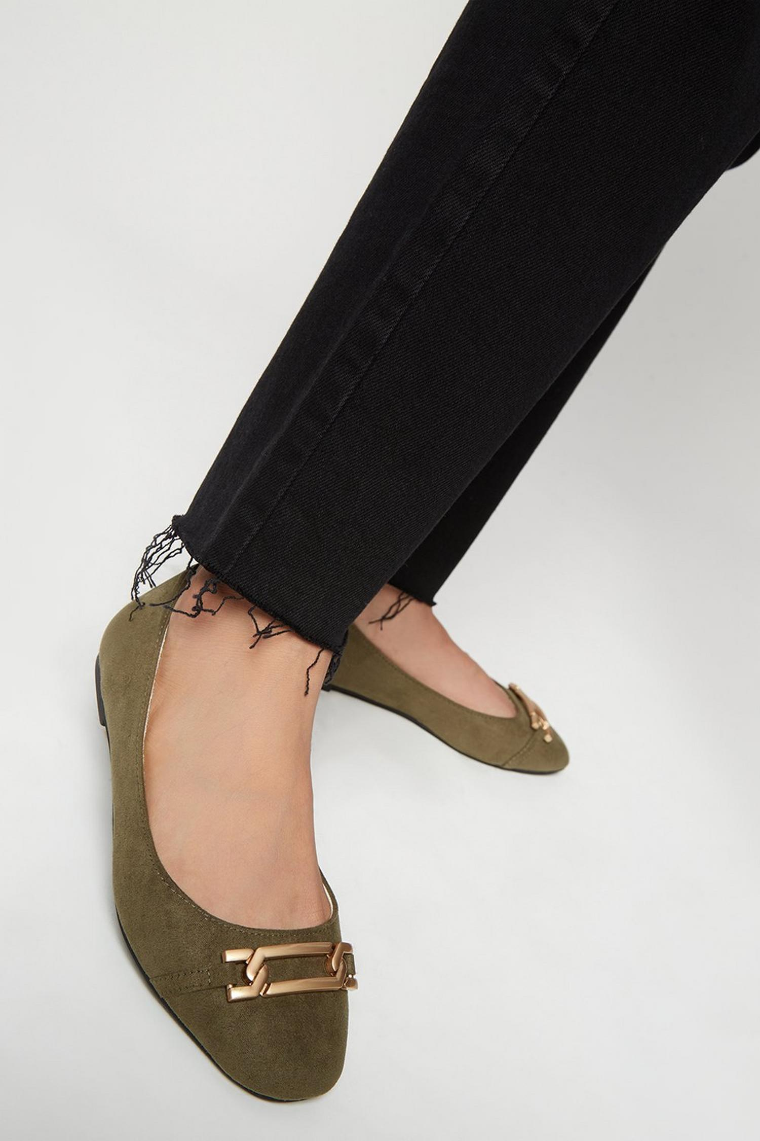 511 Wide Fit Olive Pinch Pumps image number 4