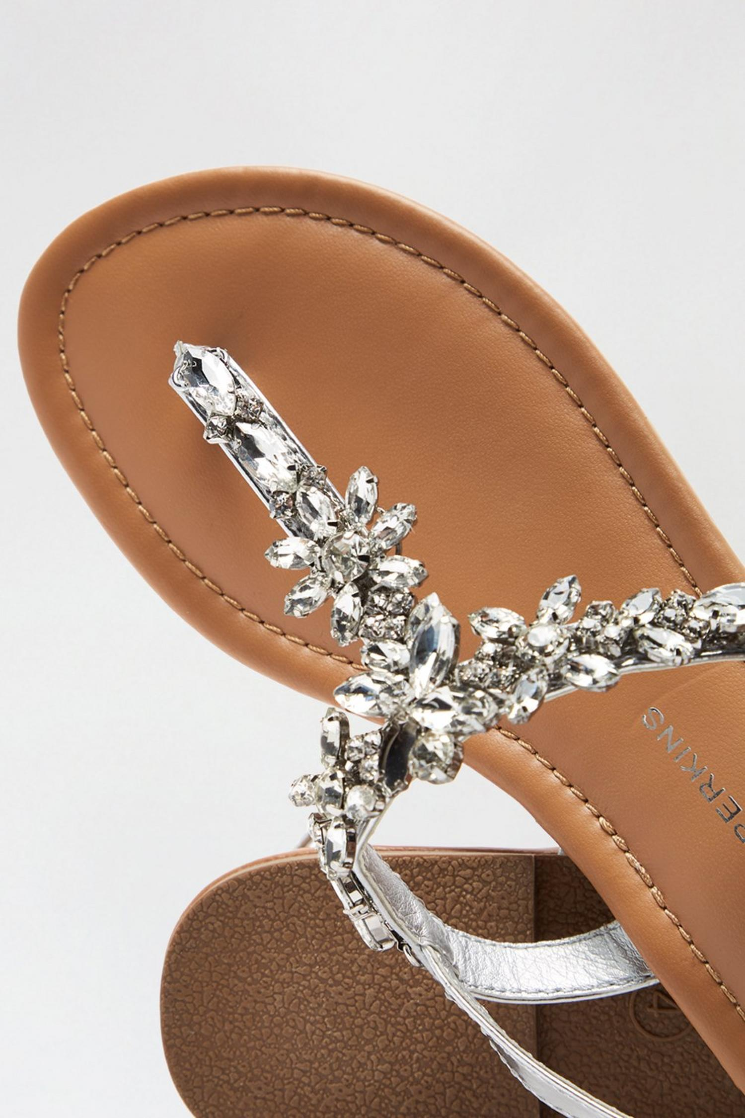 579 Silver Flower Jewel Sandals image number 4