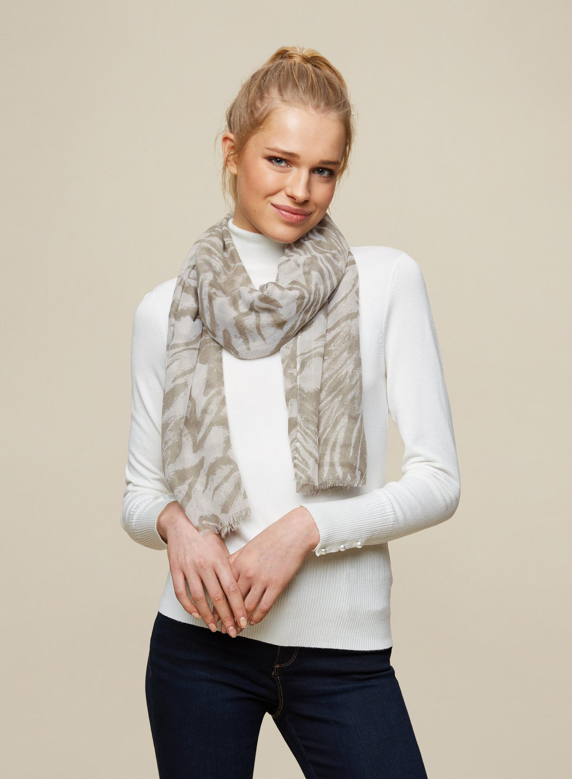 Light Grey Tiger Lightweight Scarf